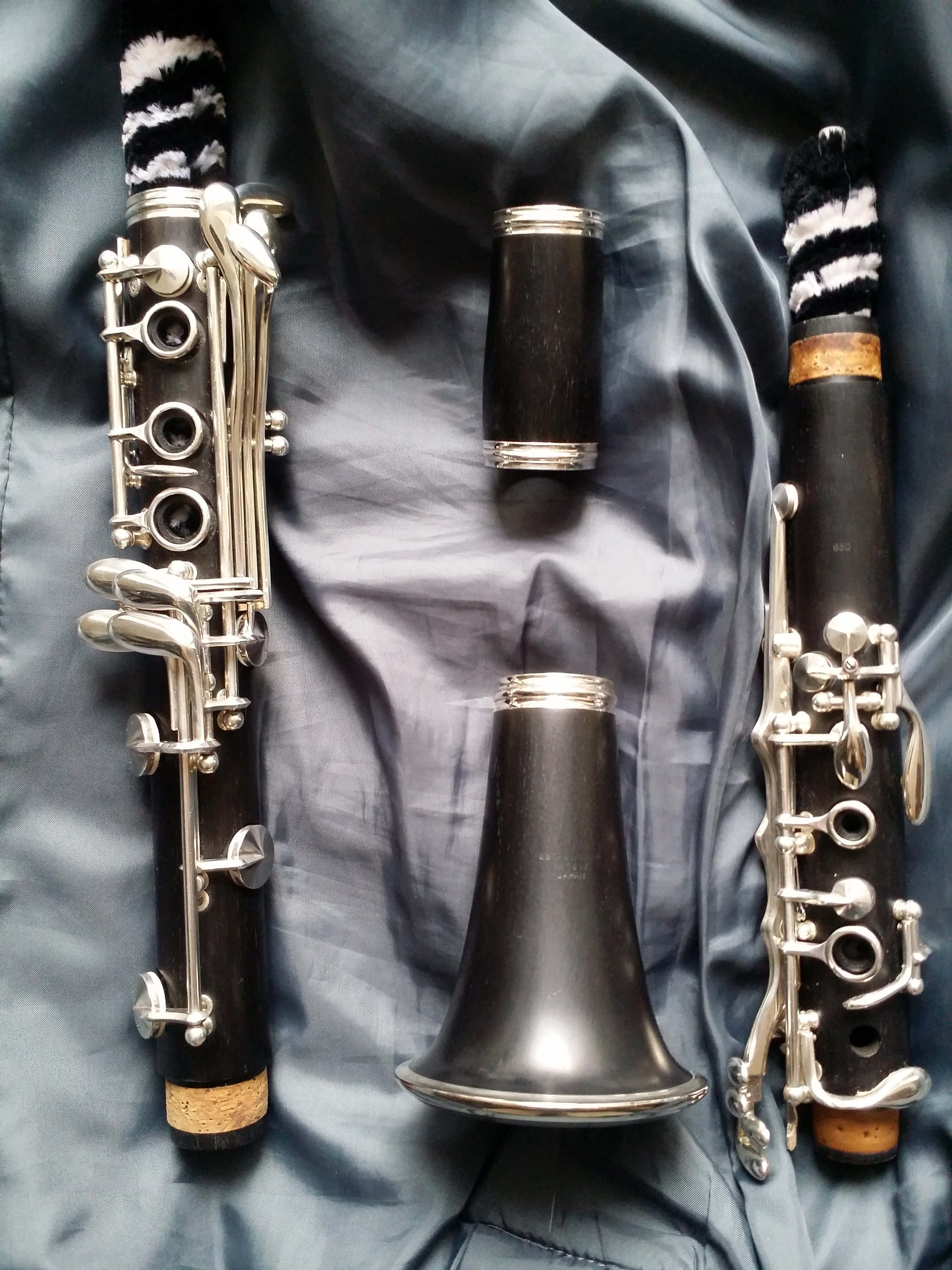 Bb clarinet Yamaha YCL 650E 18 keys, left Es key